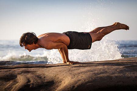 Какие упражнения из йоги  помогают в лечении простатита